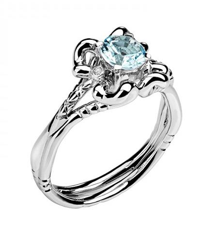 Золотое кольцо с бриллиантами 01К629682