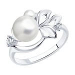 Кольцо из серебра с жемчугом и фианитами 94012959