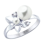 Кольцо из серебра с жемчугом и фианитами 94012779