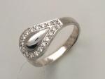 Кольцо с бриллиантом из бело-желтого золота