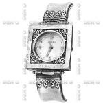 Часы из серебра Deno 01W017