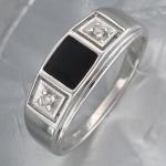 Перстень из серебра с фианитами и эмалью квадратной формы Р3Т1501437Э