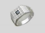 Перстень из серебра с фианитами Р3Т2501200