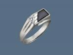 Перстень из серебра с ониксом и фианитами и алмазной огранкой Т18Т450265Р