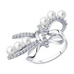 Кольцо из серебра с жемчугом и фианитами 94013142