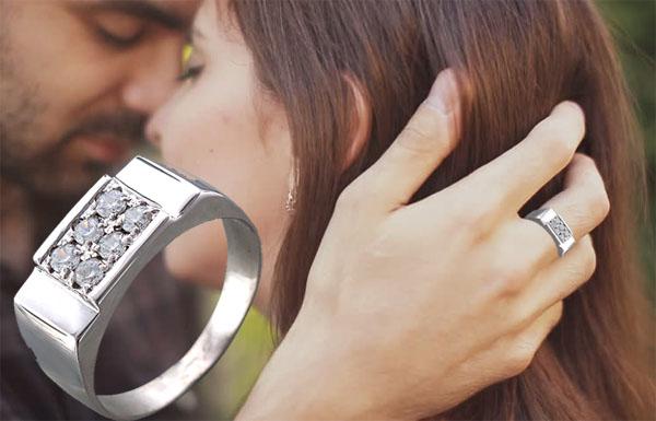 Перстень печатка из серебра с фианитами